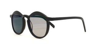cc02a3fc Monreale med brunfarvede solglas og klassiske, mørkegrønne polariserede  solglas ...